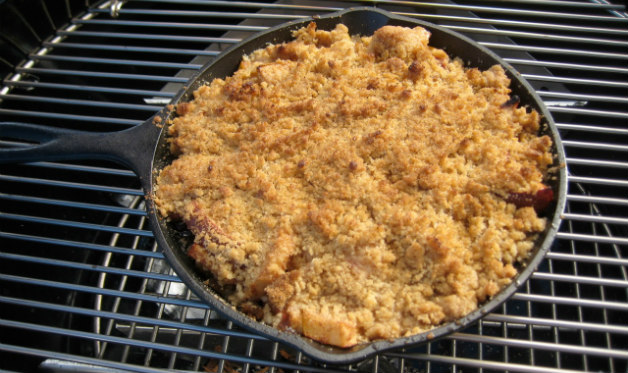 Smoke-roasted apple crisp