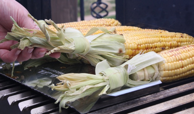 How to Grill Corn - BarbecueBible.com