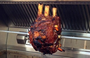 The Ultimate Holiday Centerpiece—Prime Rib