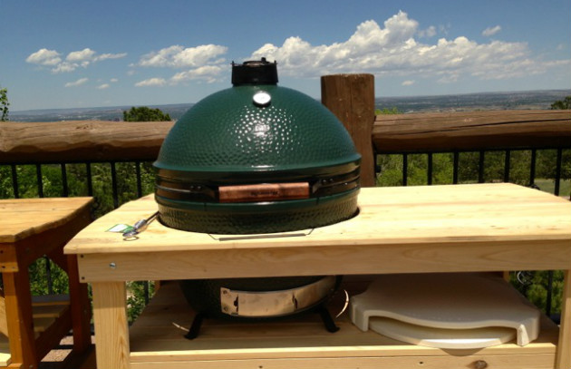 Raichlen Visits Big Green Egg - Barbecuebible.com