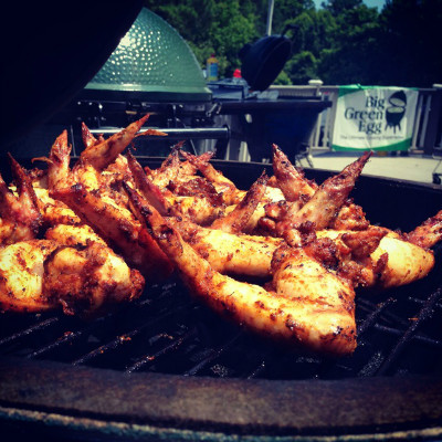 Chicken wings on Big Green Egg