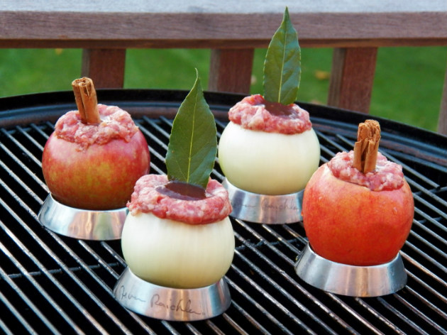 Sausage-stuffed apples and onions