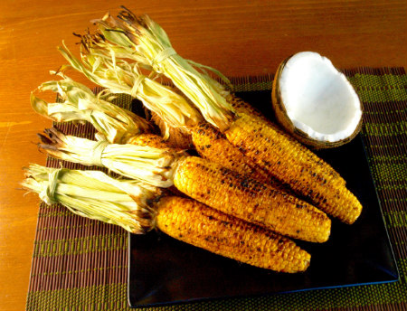 Grilled corn with coconut