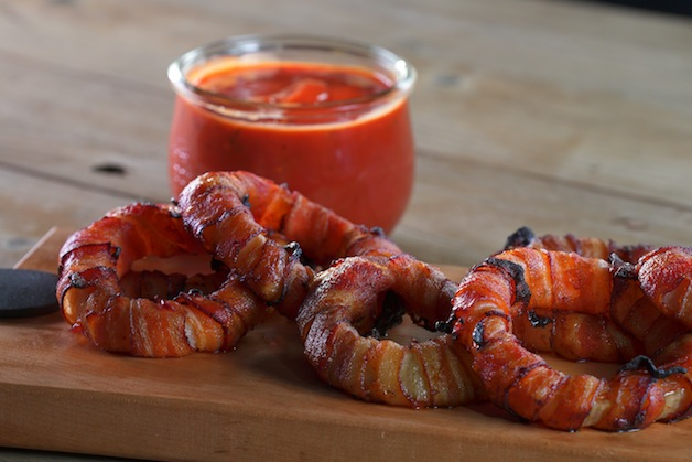 Bacon Maple Grilled Onion Rings - Barbecuebible.com