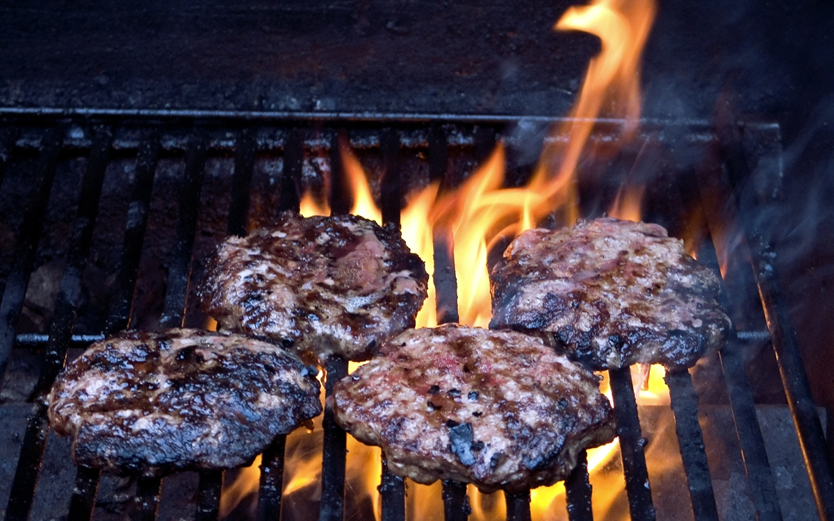 Avoid 10 Common Mistakes Beginner Grillers Make Barbecuebible Com